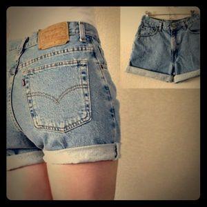 Vintage Levis 505 Unisex Boyfriend Shorts Small 28